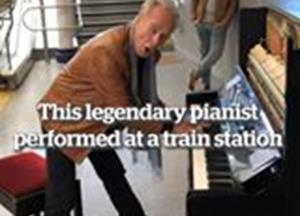 Legendary pianist performs at train station